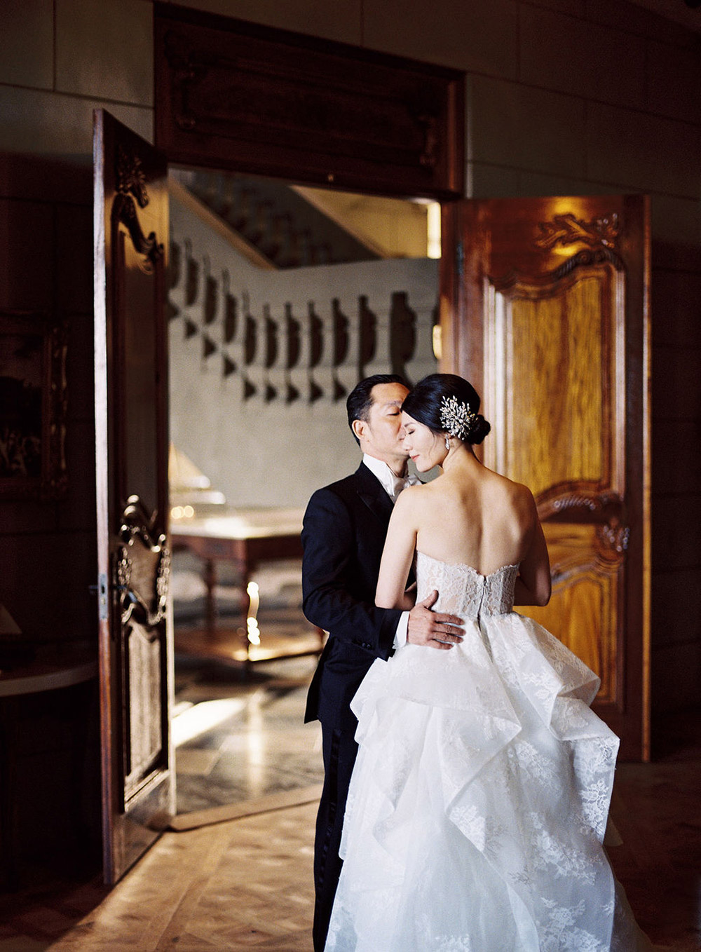 Photo by Lilikad Photography. www.theweddingnotebook.com
