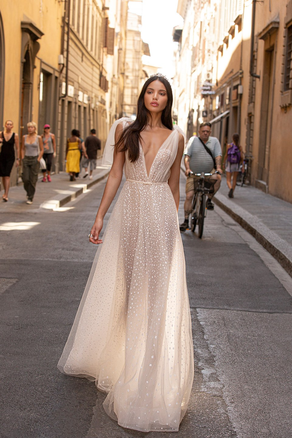 Muse by Berta Bridal Fall 2020-Collection. www.theweddingnotebook.com