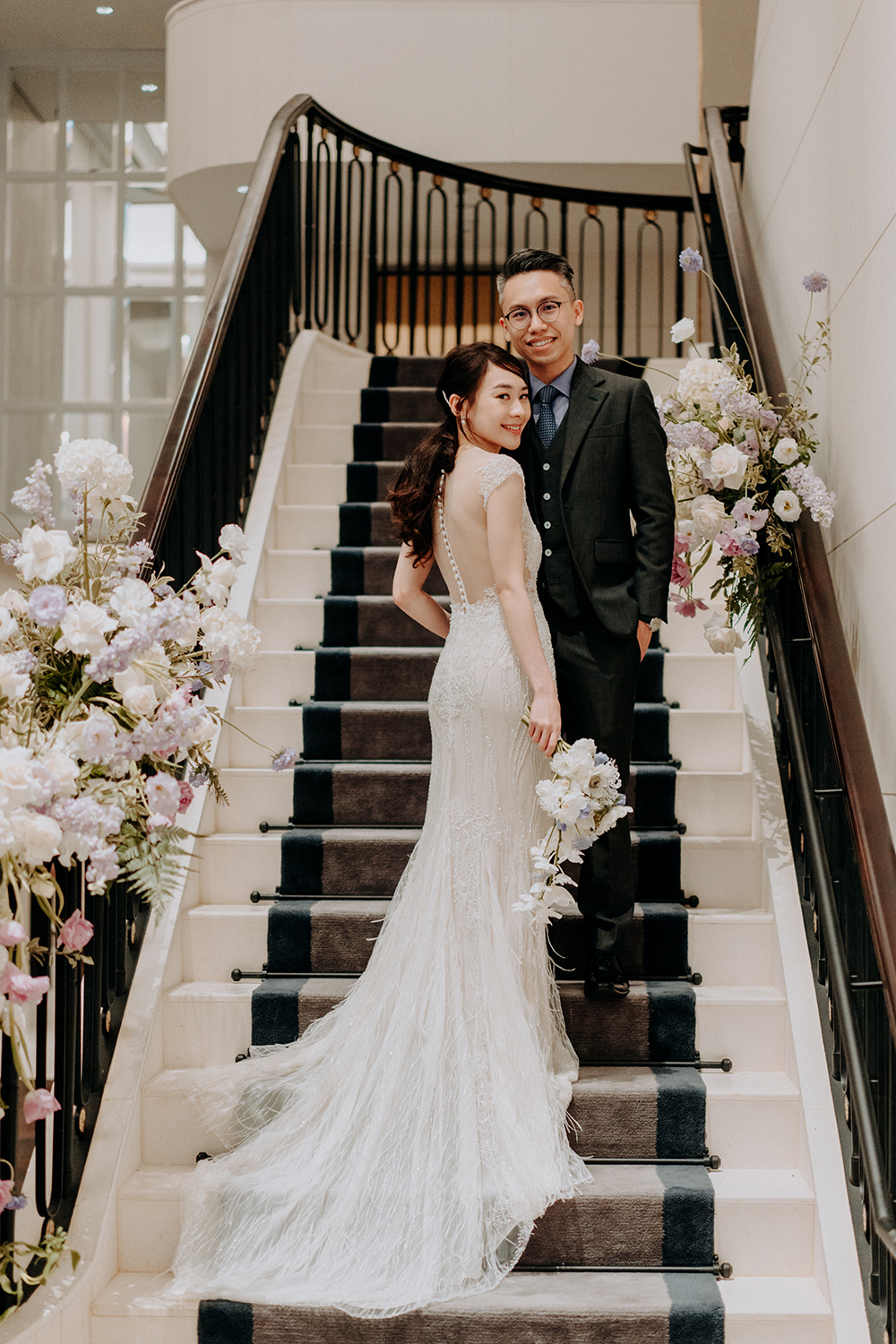 Wedding at the St Regis Singapore. Smittenpixels Photography. www.theweddingnotebook.com