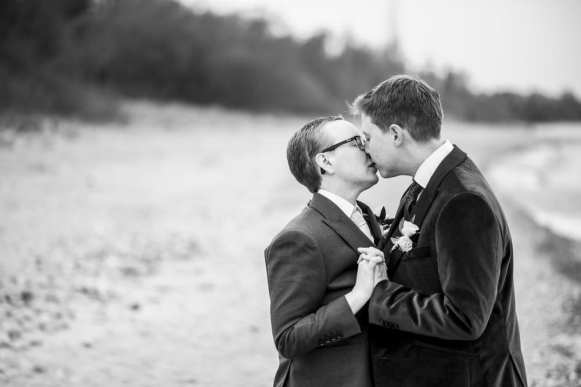 Photo: Spirits Intrigued Photography | Venue: Kincardine Beach Pavilion