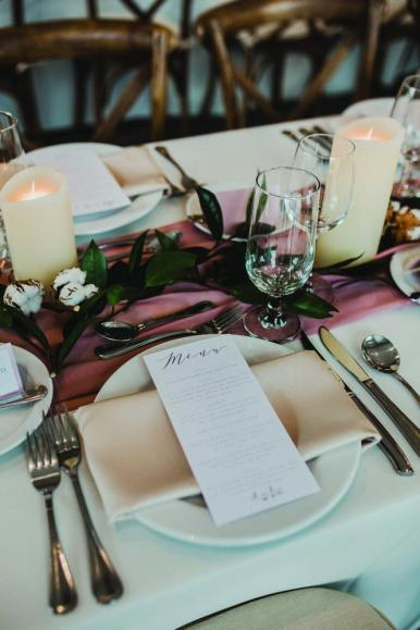 wedding tablescape at cambridge butterfly