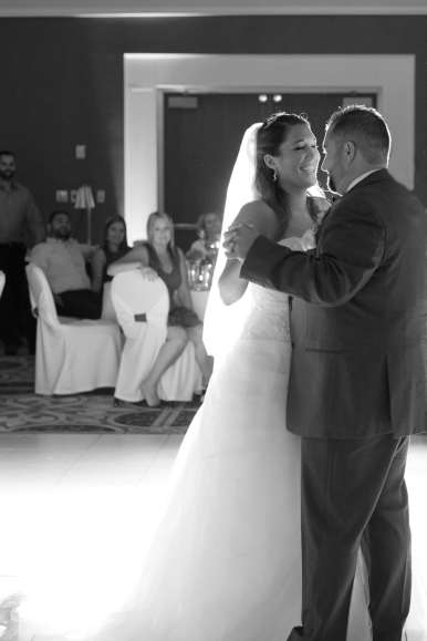 Venue: Best Western Plus Lamplighter Inn | Photo: Michelle A Photography