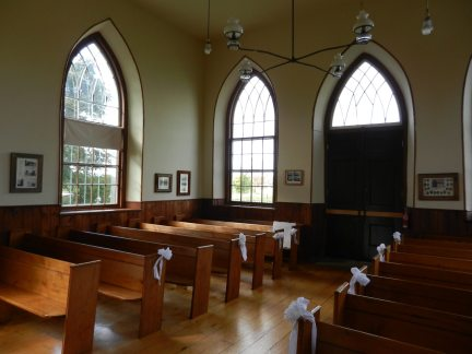 Ellis Pioneer Chapel | Photo: Elm Alyea