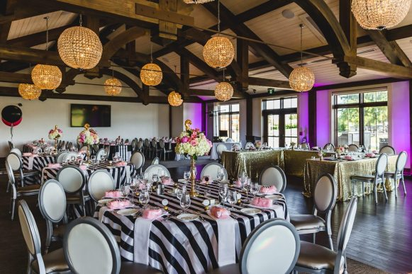 Venue: Whistle Bear Golf Club | Photo: Gary Evans Photography | Decor: The Creative Bride