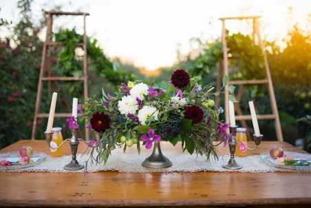 Boho Chic Orchard Wedding - La Petite Fleur | Photo: Devon C Photography