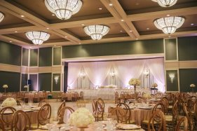 Venue: Best Wester Lamplighter Inn | Photo: Nova Markina Photography