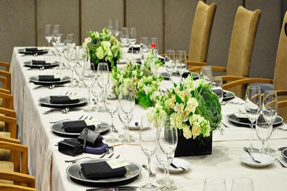 wedding-dinning-table-socials