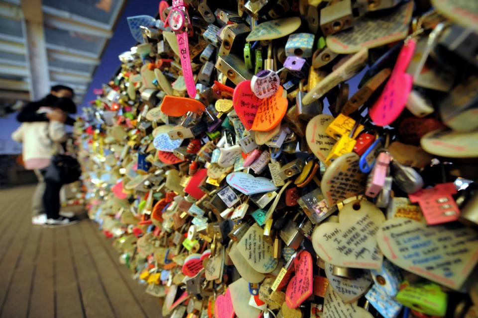 Seoul - padlocks - popsugar