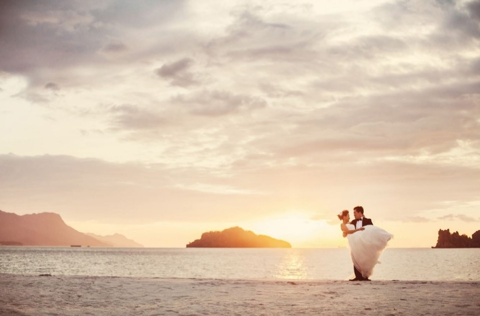 beach wedding venues malaysia - Four Seasons - Global Weddings