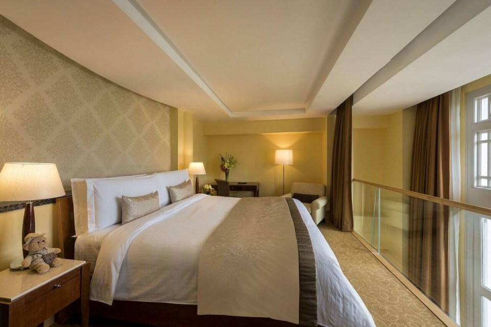 Fullerton Wedding - Loft Suite Bedroom