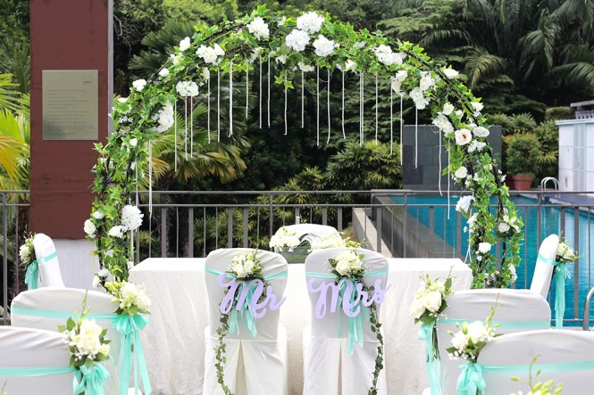 Amara Sanctuary Resort Sentosa Wedding - Romantic Poolside Solemnisation