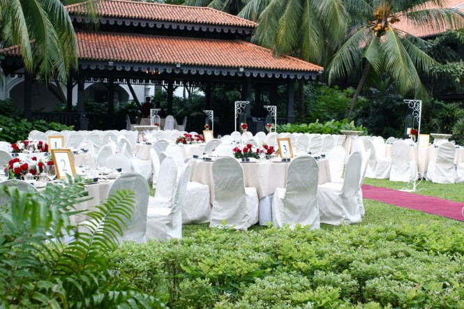 Top 10 Garden Wedding Venues in Singapore - The Lawn at Raffles Hotel 2