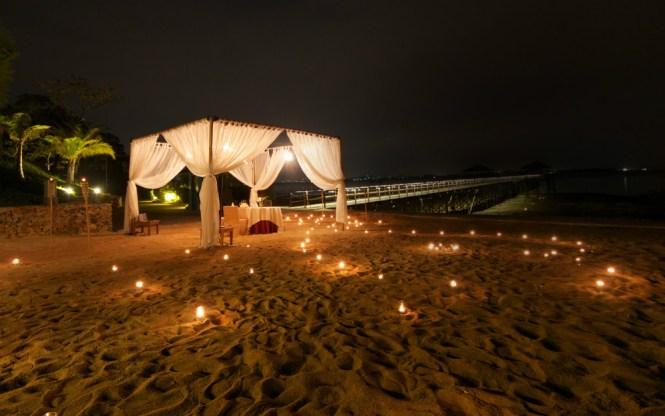 Montigo Resorts Nongsa Batam Beach Dinner