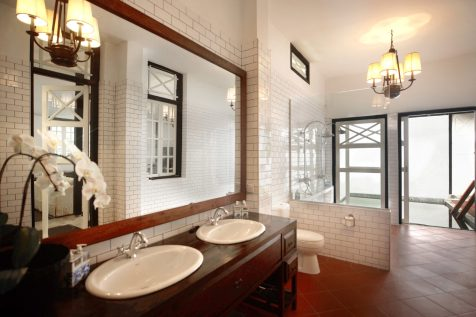 Luxe Sarang (Bathroom I)