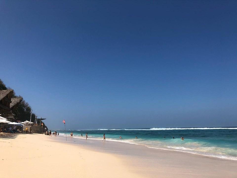 sunday's beach bali