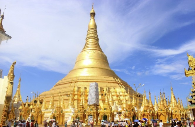 Myanmar Honeymoon - Shwedagon Pagoda - Sharon Ang