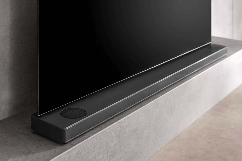 LG B8 OLED TV - SK10Y Sound Bar