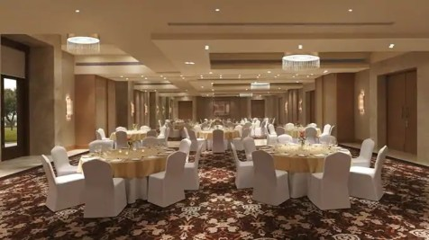 Double_tree_by_hilton_agra_ballroom