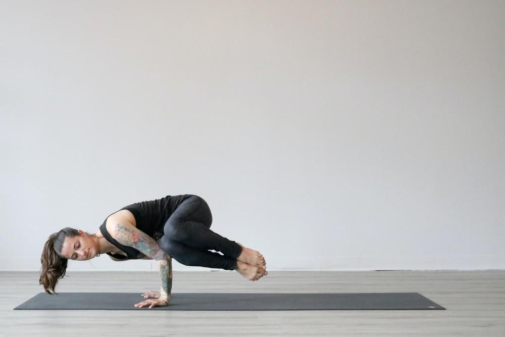 Mat Yoga Terbaik Indonesia 2021