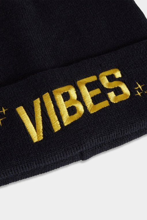 Vibes Beanies Black Closeup Website The Weed Blog | Reviews | Store | Culture | Worldwide