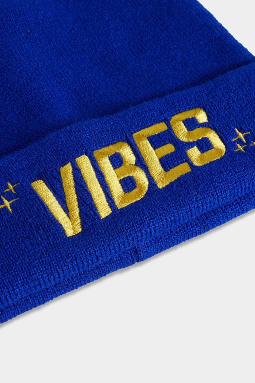 Vibes Beanies Blue Closeup Website The Weed Blog | Reviews | Store | Culture | Worldwide