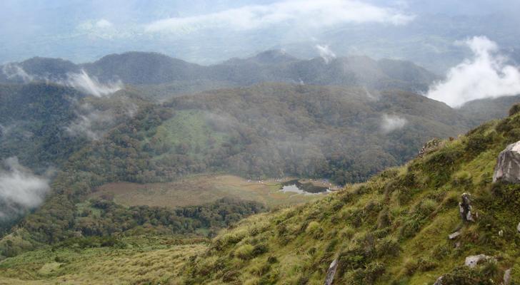 Mt Apo trek - Lake Venado