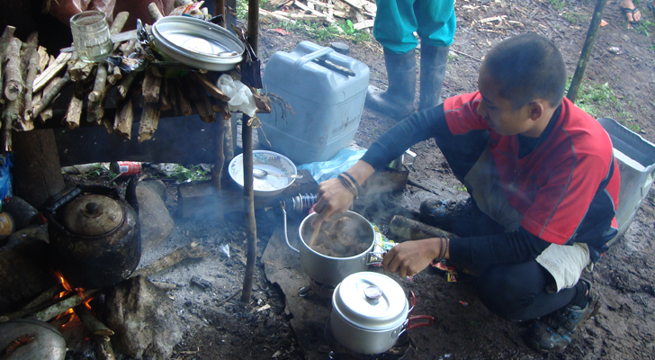 Mt Apo Trek - cooking our lunch