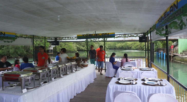 Tabuelan - floating restaurant