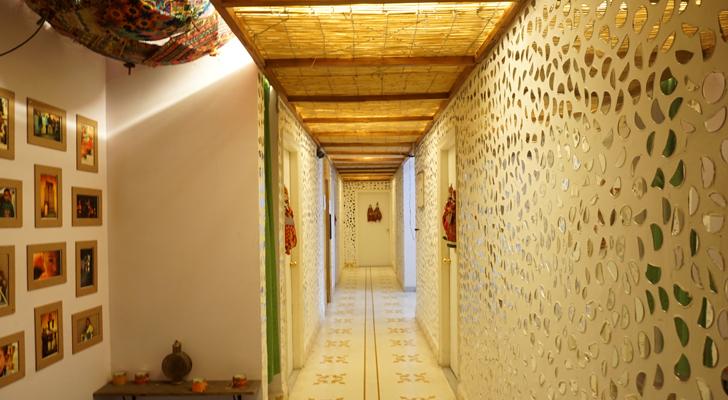 Moustache Hostel Jaipur - hallways