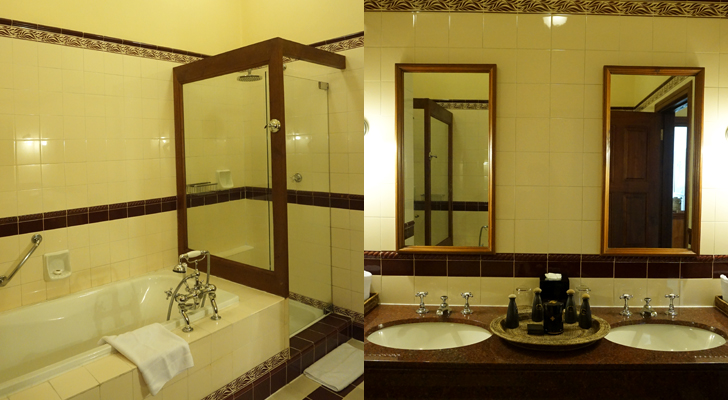 The Strand Hotel - ensuite bathroom