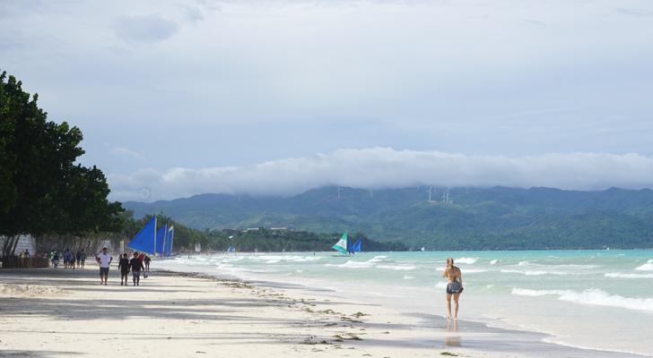 Zuzuni Boracay - beachfront