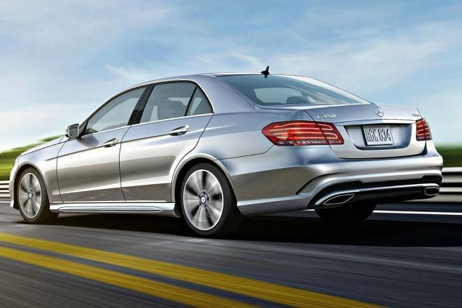 A million Mercedes-Benz vehicles are being recalled globally because of faulty fuses.