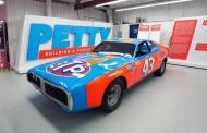 Richard Petty set to auction career of racing stuff (live)