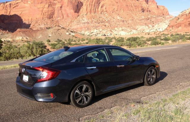 The 2016 Honda Civic is rated at 42 mpg in freeway driving.