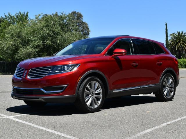 The 2016 Lincoln MKX gets great safety ratings, but it also defines technology overload