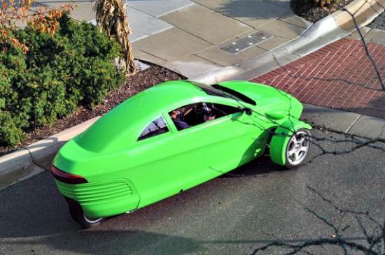 3-wheel Elio interest soars, 3,000 more reserved