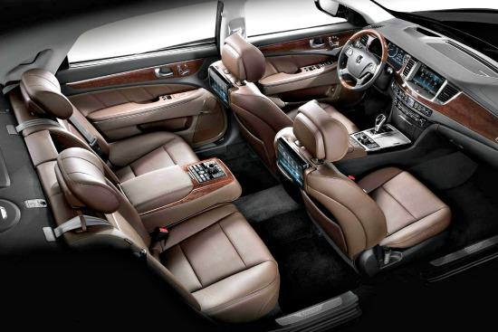 The 2014 Hyundai Equus Has A Luxurious Interior.