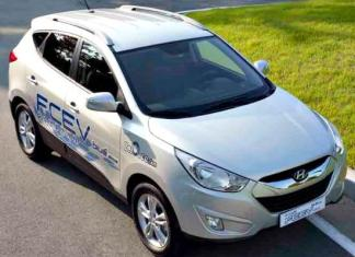 Hyundai will begin selling the Tucson SUV with hyrdr0gen-powered option in 2014.