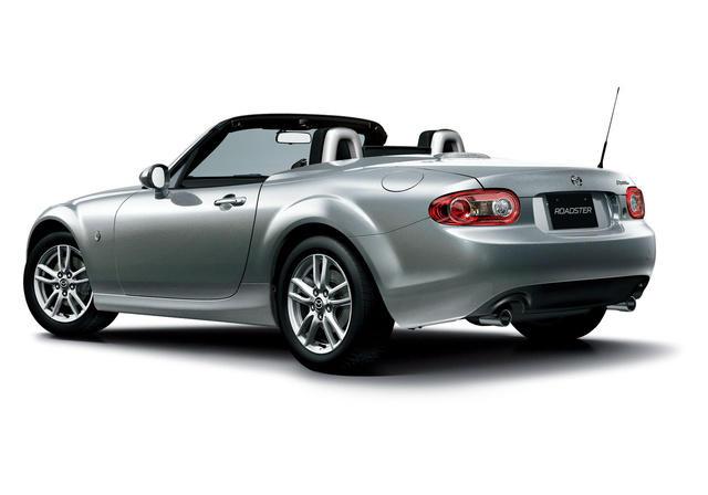 2013 Mazda MX-5 Miata: World's top-selling, two-seat roadster