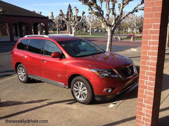 2015 Nissan Pathfinder: Lots of features, limited space