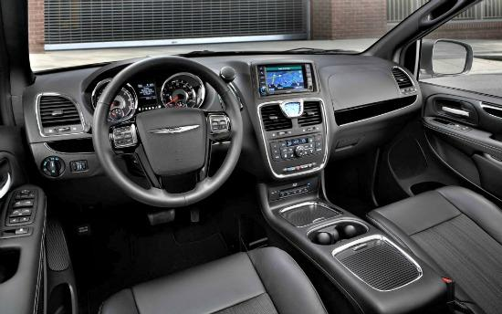2014 Chrysler Town & Country has a handsome interior.