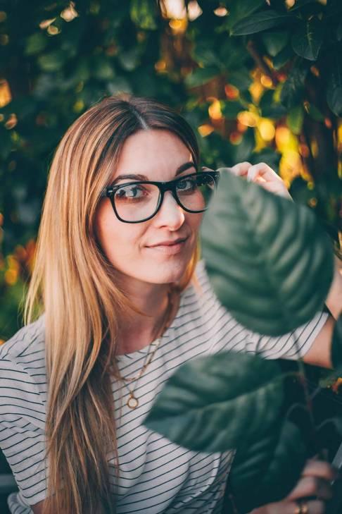 Anna mit Brille