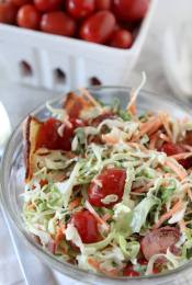 BLT Cole Slaw from the Whole Smiths. Such an easy recipe and easy to make Whole30 compliant. Paleo-friendly and gluten-free.