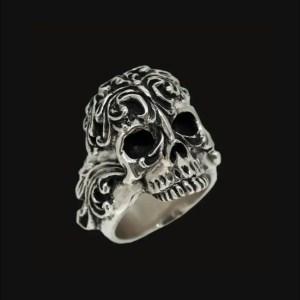 Noir Skull Ring