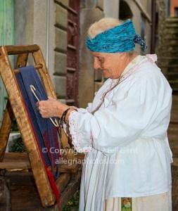 An old lady weaving cloth, Licciana Nardi