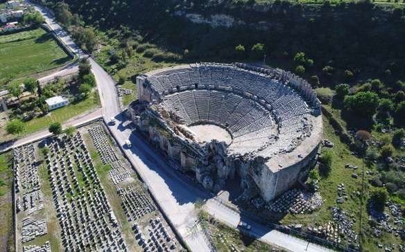 perge: travelling through millenia during a vacation
