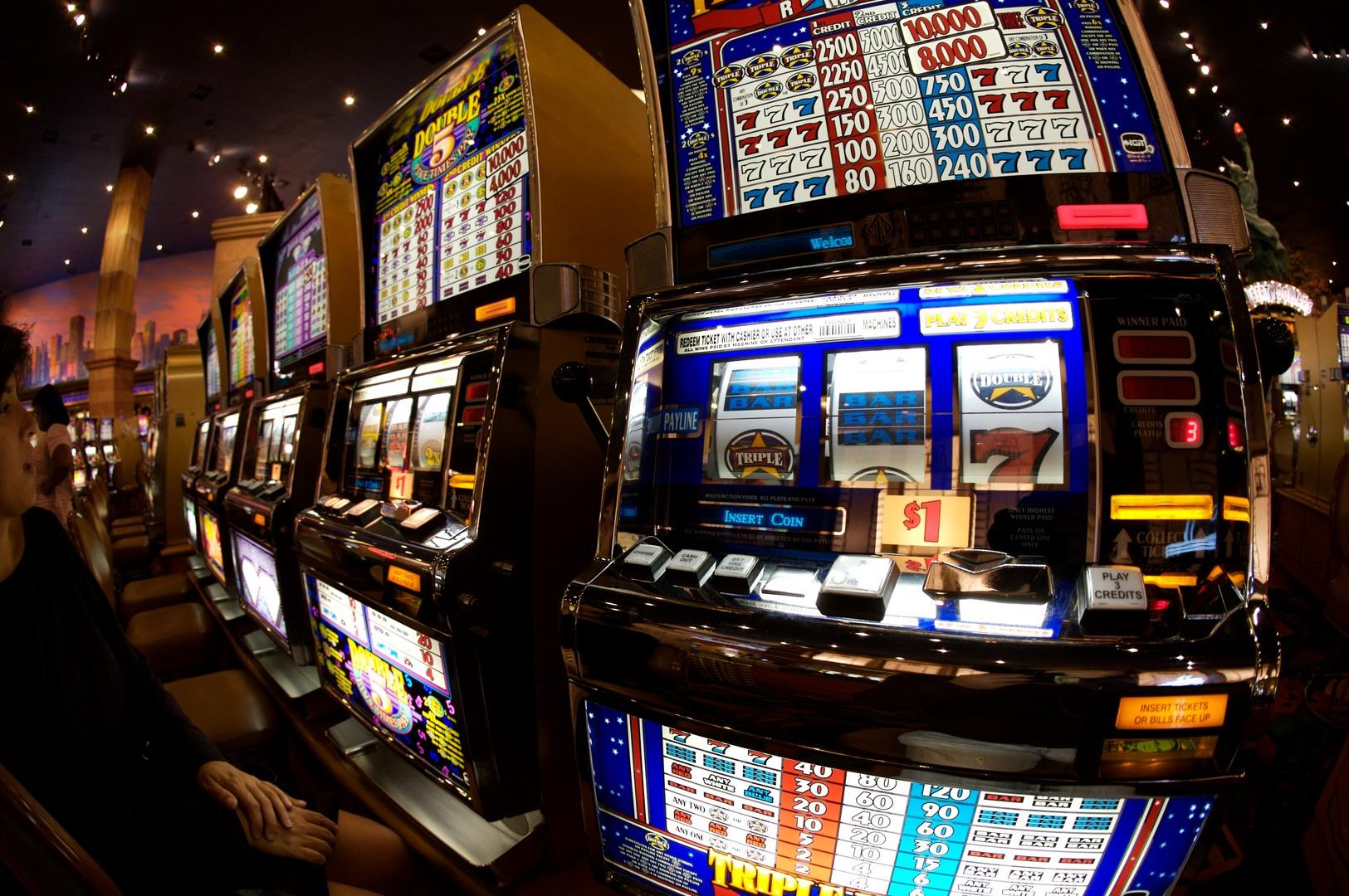 Dalla slot machine a Facebook: come la tecnologia ha cambiato il gioco d'azzardo