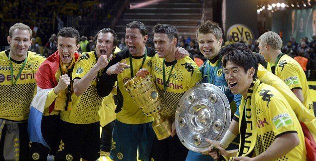 Il Borussia Dortmund che completò il Double nella stagione 2011/12, vincendo la finale Coppa di Germania per 5-2 sul Bayern Monaco. Fu il terzo titolo nella carriera di Mario Gotze. Foto: AFP/Getty Images.