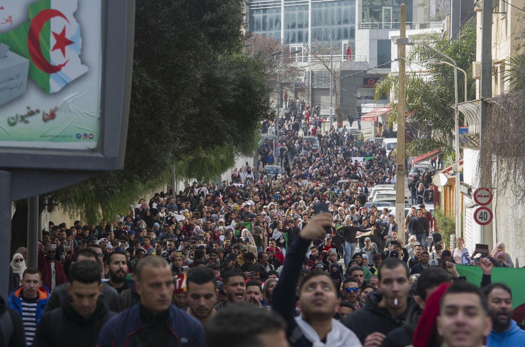Il rinvio delle elezioni in Algeria