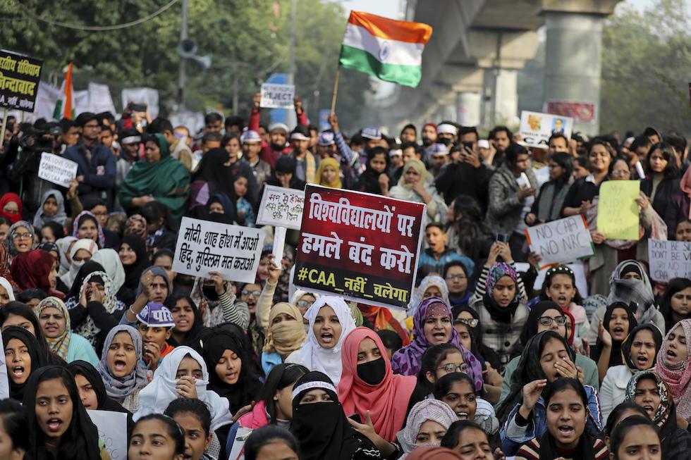 L'India in rivolta: difesa da un attacco alla democrazia?